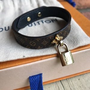 Louis Vuitton Lockingram Bracelet Monogram 17